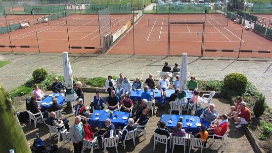 Der schöne Außenbereich des Tennisverein direkt am Schloss Rheda!